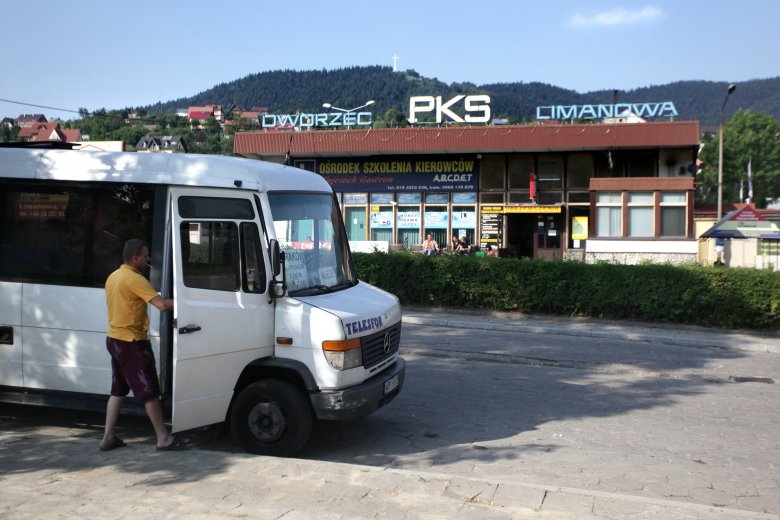 Publiczny transport coraz częściej pojawia się w programach polityków
