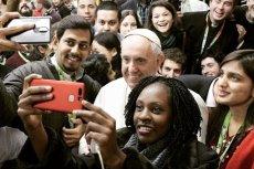 Papieżowi Franciszkowi spodobała się gra w łapanie świętych