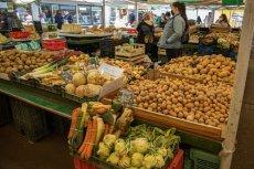 Rząd wycofuje się z pomysłu na stworzenie państwowej sieci sklepów spożywczych.