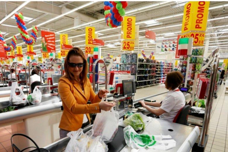 Jak tylko wyrok Trybunały Konstytucyjnego się uprawomocni, rząd zamierza wprowadzić podatek od supermarketów.