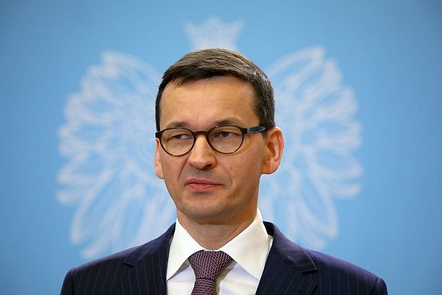 Morawiecki chce ulżyć kierowcom posiadającym samochody hybrydowe. Reszta słono zapłaci za wjazd do miasta