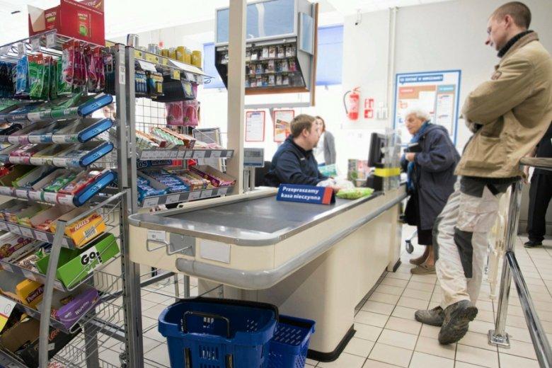 2017 rok to będzie czas fuzji i przejęć, handel szybko się konsoliduje. Na zdjęciu supermarket Tesco w Warszawie.
