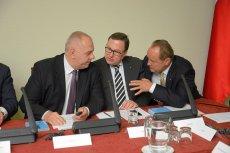 Jacek Sasin, prominentny działacz PiS i – jak określają go dziennikarze – stały bywalec imprez organizowanych przez SKOK Wołomin oraz Grzegorz Bierecki i Janusz Szewczak