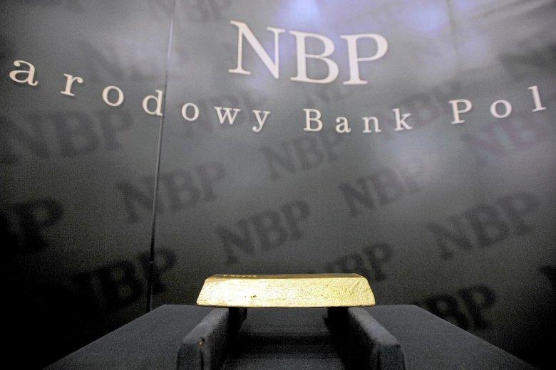 Czy NBP dobrze zrobił kupując na rynku tony złota? Na zdjęciu sztabka o wadze 400 uncji, czyli 12,44 kg
