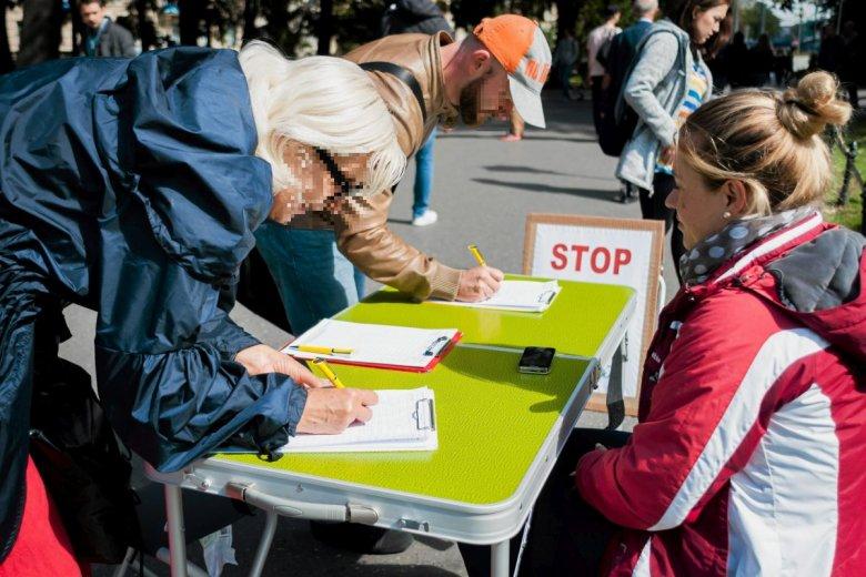 Dziś prawo wymaga zebrania 100 tys. podpisów pod projektem ustawy. To mnóstwo zachodu oraz marnotrawienie papieru.