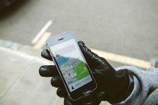 Według internautów ceny stawki Ubera w noc sylwestrową poszły w górę nawet czterokrotnie.