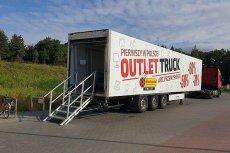 W Outlet Truckach Biedronki można kupić produkty wycofane z regularnej sprzedaży nawet o 70 proc. taniej.