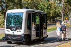 Autonomiczny minibus EZ10 będzie kursował w Gdańsku od piątku przez miesiąc.