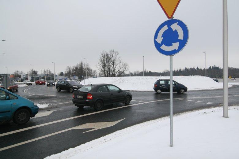 Z orzeczenia lubelskiego sądu wynika, że wjazdu na skrzyżowanie nie trzeba sygnalizować kierunkowskazem.