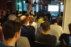 Przedsiębiorca Artur Kurasiński i mentor Paweł Tkaczyk opowiedzieli słuchaczom Centrum Przedsiębiorczości Smolna, jak budować z głową start-upowy biznes