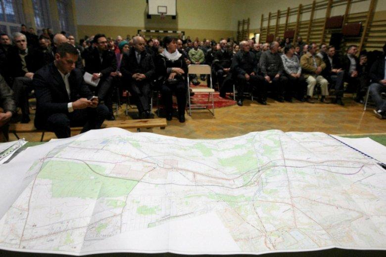 Spotkanie z mieszkańcami w sprawie budowy obwodnicy w Radkowicach i Brzezinach.