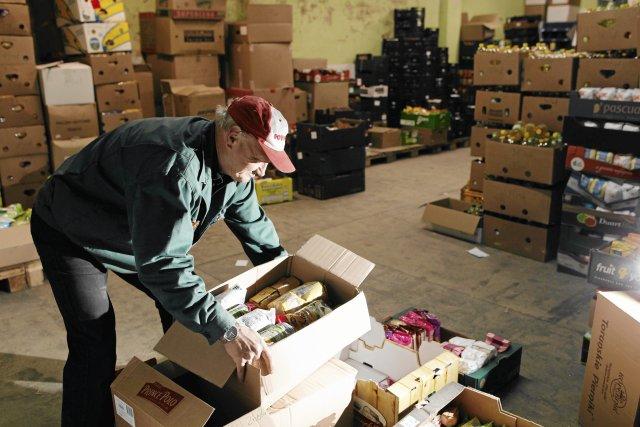 Magazynier zarobi w Niemczech zarabia w ciągu godziny 39,23 zł brutto