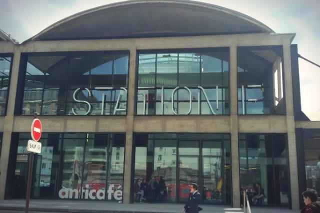 Station F to akcelerator start-upów w budynku byłego dworca kolejowego