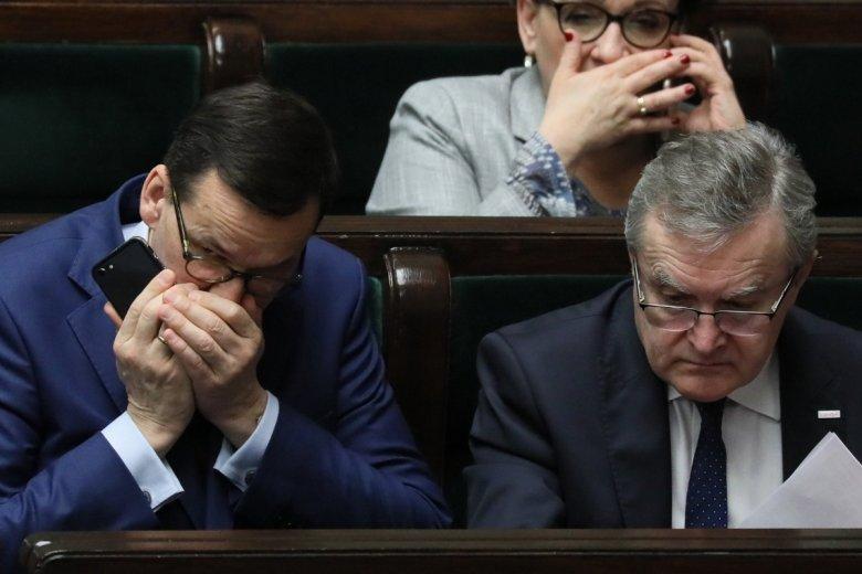 Inwestorom zagranicznym nie podobają się realia polityczne w Polsce: spory z Unią Europejską czy ingerencje prawne w funkcjonowanie poszczególnych branż.