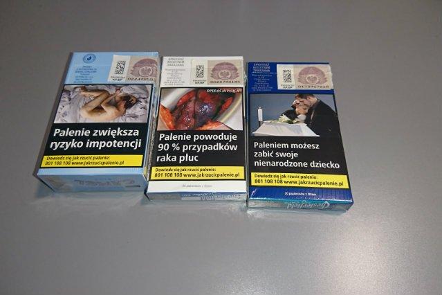 Nowe opakowania mają zniechęcać do palenia.