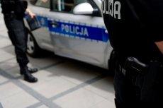 """Policja ruszyła z akcją """"Telefon"""". Będzie wyłapywać kierowców, korzystających z telefonu niezgodnie z przepisami."""