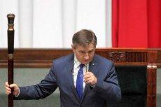 Marszałek Kuchciński przyznał już 1,5 mln zł zapomóg dla byłych posłów.