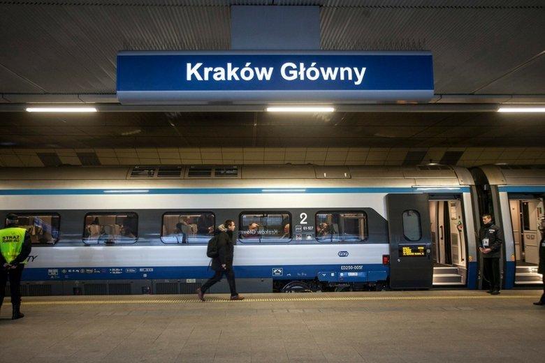 Rafał Wąsowicz jest miłośnikiem kolei i – być może – już za niedługo stanie się rekordzistą Polski pod względem długości trasy przemierzonej na jednym bilecie