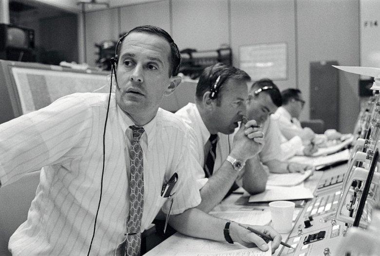 CAPCOM Charles Duke w trakcie lądowania Apollo 11