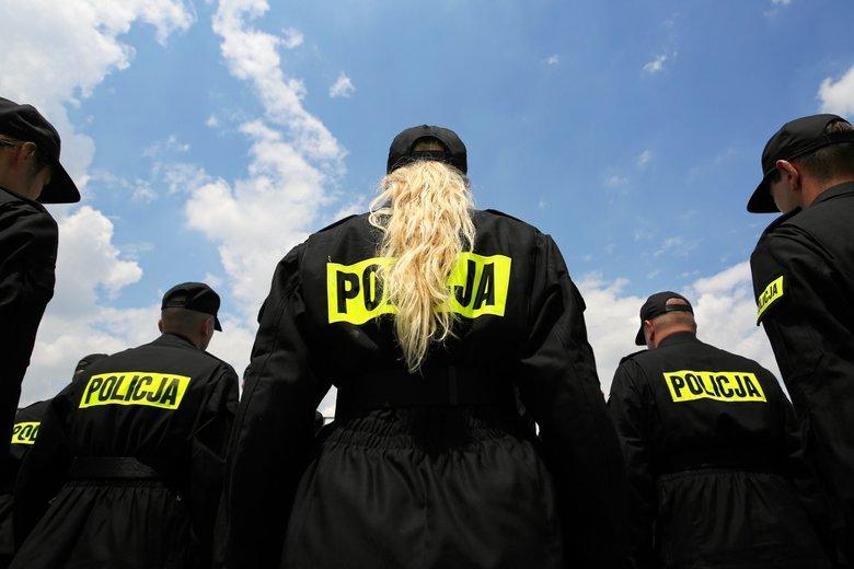 Trzy czwarte kandydatów do pracy w policji odpada na testach