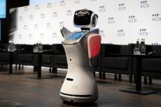 Roboty może nie podbiją świata, ale mogą zastąpić ludzi w różnych zawodach. To może skutkować powiększeniem dziury budżetowej.