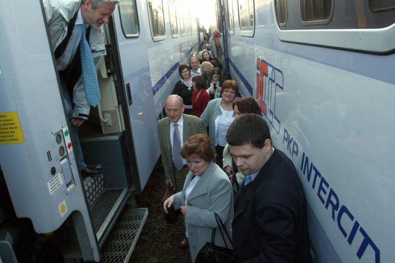 Składy PKP Intercity należą do najmniej punktualnych w kraju. Ale najgorszy wynik zanotował czeski przewoźnik Leo Express.