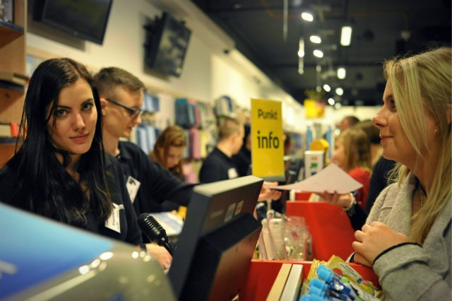 Około 2/3 z decyzji zakupowych zapada w momencie, gdy stoimy przy sklepowej półce. Właśnie dlatego odpowiednie etykiety na produktach są tak ważne