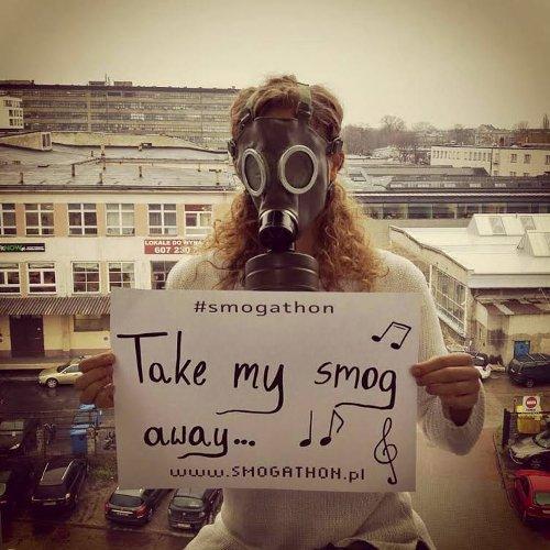 Posiłkując się przemawiającymi do wyobraźni zdjęciami, organizatorzy Smogathonu prowadzą kampanię zachęcającą do włączenia się w zainicjowane przez nich przedsięwzięcie