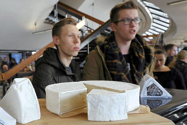 """Wegańskie produkty na Festiwalu Inicjatyw Weganskich """"Veganmania"""". teraz nazywanie takich produktów serami będzie niedozwolone"""