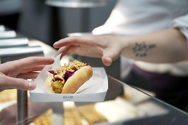 Wegetariańskie hot-dogi w Ikei kosztują 2 złote