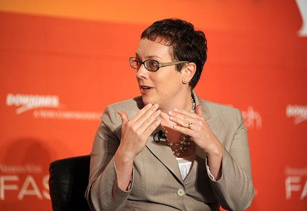 """Julia Angwin, dziennikarka śledcza, autorka książki """"Społeczeństwo nadzorowane""""."""