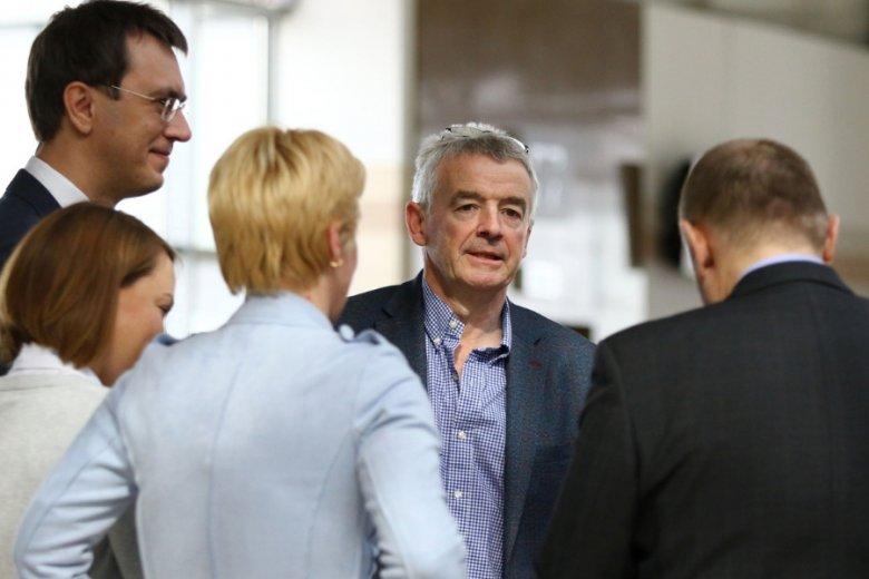 """Michael O'Leary, twórca tanich linii Ryanair, od dekad toczył walkę ze związkami zawodowymi. Nic dziwnego, że doczekał się tytułu """"najgorszego szefa świata""""."""