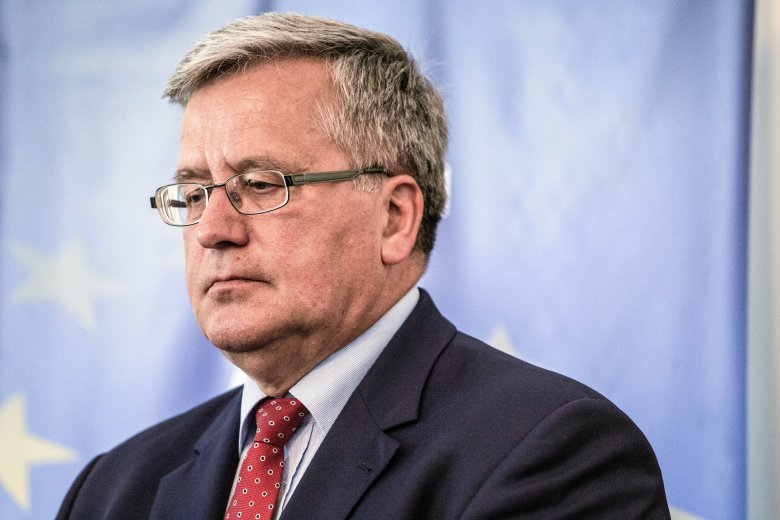 """Bronisław Komorowski twierdzi, że poprzedni rząd być może """"nie miał wystarczającej odwagi, by sięgnąć po finansowe owoce własnej działalności"""". Dziś korzysta z tego PiS."""