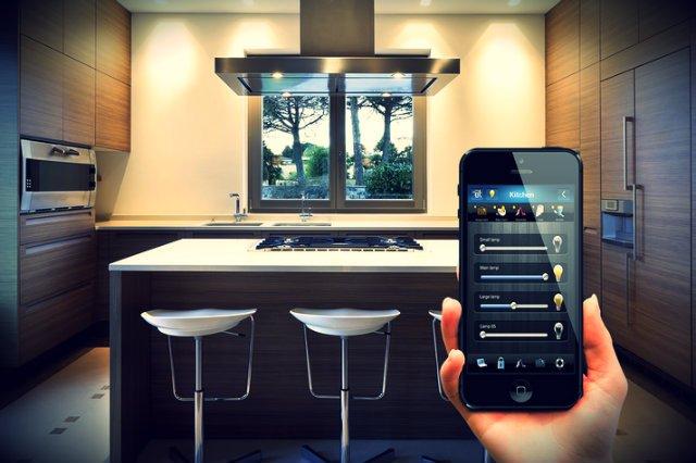 Inteligentnym domem Fibaro możesz sterować przy pomocy telefonu komórkowego