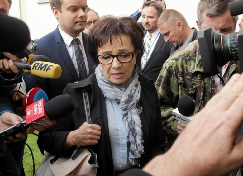 Elżbieta Witek,  minister spraw wewnętrznych i administracji, na razie nie chce pracować nad podatkiem dla bezdzietnych.