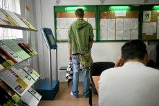 Ogłoszenie o pracy bez podanego wynagrodzenia zaczyna być postrzegane jako próba ukrycia czegoś przed kandydatem.