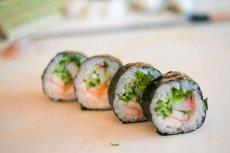 Przełom w leczeniu raka? Nicień, pasożyt obecny w Sushi jest w stanie wykrywać nowotwory we wczesnym stadium w ludzkim moczu.