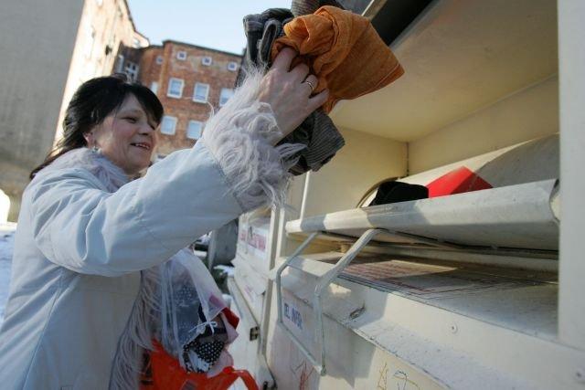 Kontenery na zużytą odzież stoją w praktycznie każdym polskim mieście, jest ich ok. 60 000.
