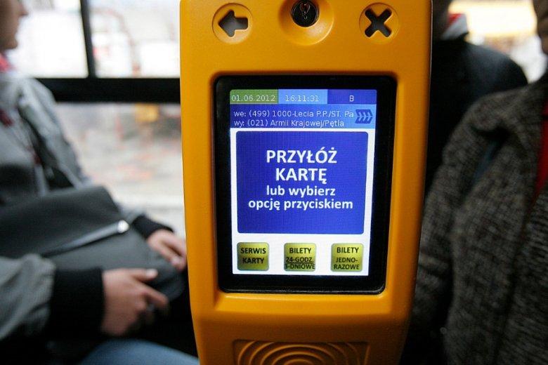 Radni PiS w Białymstoku proponują, by bezrobotni mogli jeździć autobusami za darmo. Dzięki temu będą mogli dotrzeć na rozmowę kwalifikacyjną.