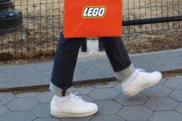 Designerzy są dobrzy w te klocki (LEGO).