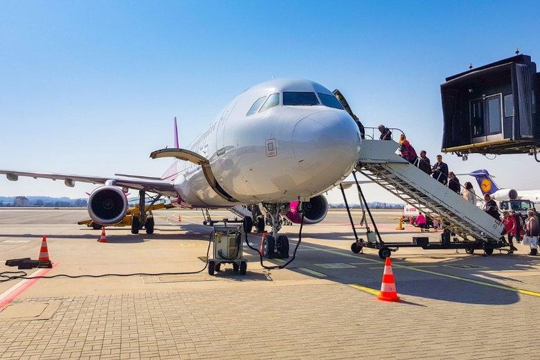 Za niestosowny strój można zostać wyproszonym z samolotu.