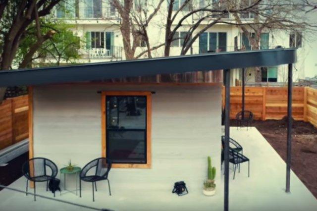 Firma ICON wraz z organizacją New Story zaprezentowała technologię, która ma pozwolić na wydrukowanie i postawienie domu nawet w ciągu kilku godzin