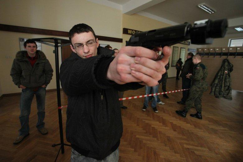 Najpopularniejsze strzelnice potrafi codziennie odwiedzić nawet około dwustu osób.