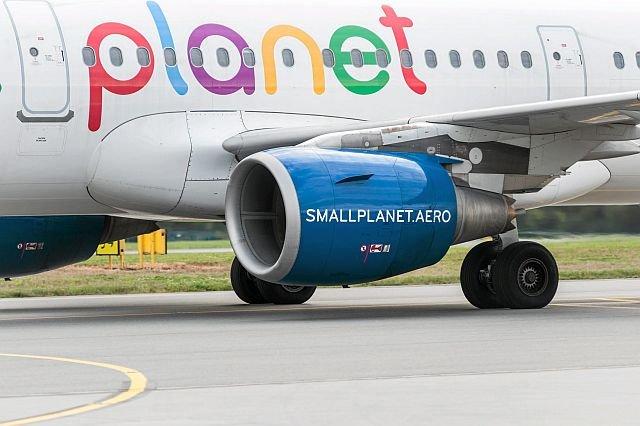 Odwołane i opóźnione loty. Samoloty linii Small Planet nagminnie się spóźniają, a firma w nieskończoność przesuwa wypłatę odszkodowań.