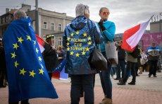 Nowe regulacje unijne dotkną od 600 tys. do nawet 900 tys. polskich pracowników