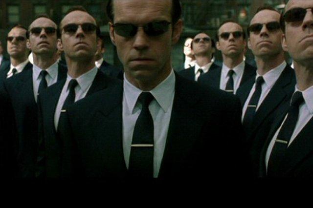"""Rzeczywistość jak z Matrixa? Powstał robot, który """"rodzi"""" nowe, coraz lepsze roboty"""