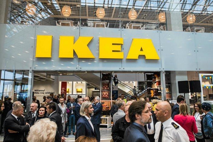Ikea chce poszerzyć swoją ofertę o leasing mebli. Być może klienci mogliby nawet wymieniać wyłącznie fronty podnajmowanych mebli.