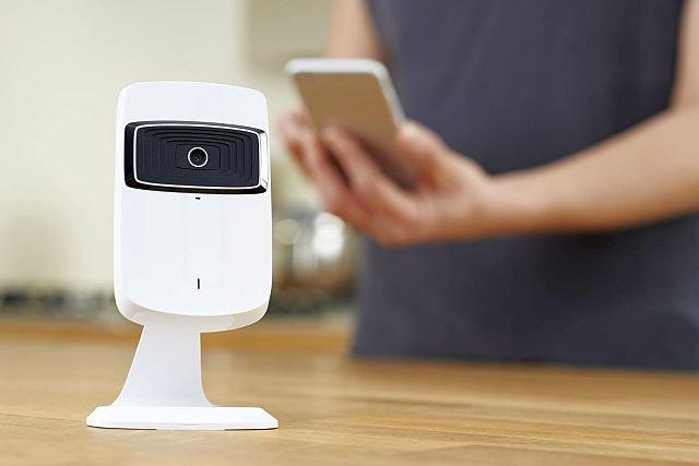 Google zbudował sztuczną inteligencję, która zbudowała inną sztuczną inteligencję i nauczyła ją rozpoznawać ludzi i przedmioty.