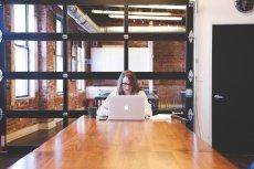 Średnie wynagrodzenie w większych firmach wzrosło do 5,18 tys. zł brutto.