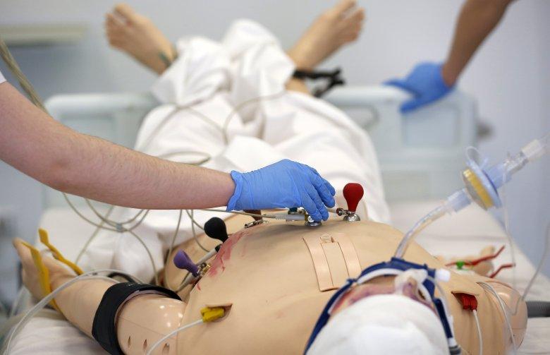 Studenci medycyny muszą płacić za odbycie praktyk w szpitalach